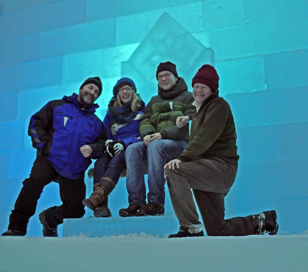 Jülich Scientists are ascending the throne of the Ice Queen. Picture by Peter Preusse, FZJ.