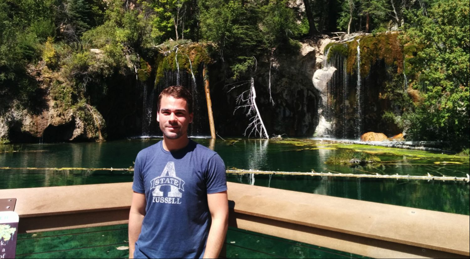 Martin Robinius am Hanging Lake in Colorado .
